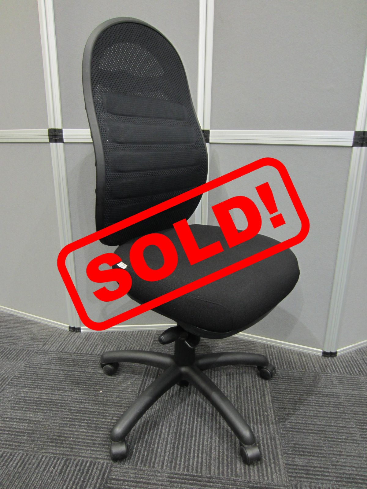CPOD fully adjustable ergonomic chair