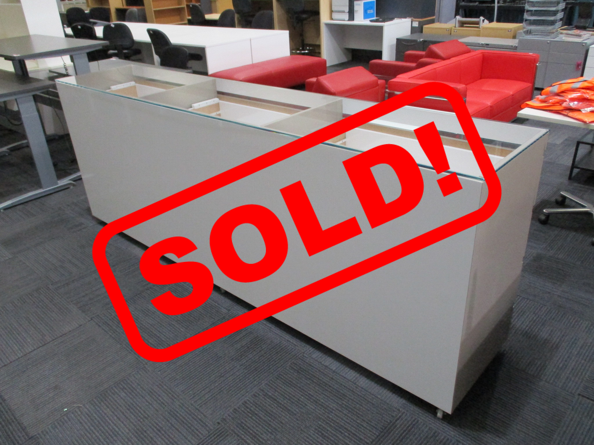 Glass Top Counter 2730mm