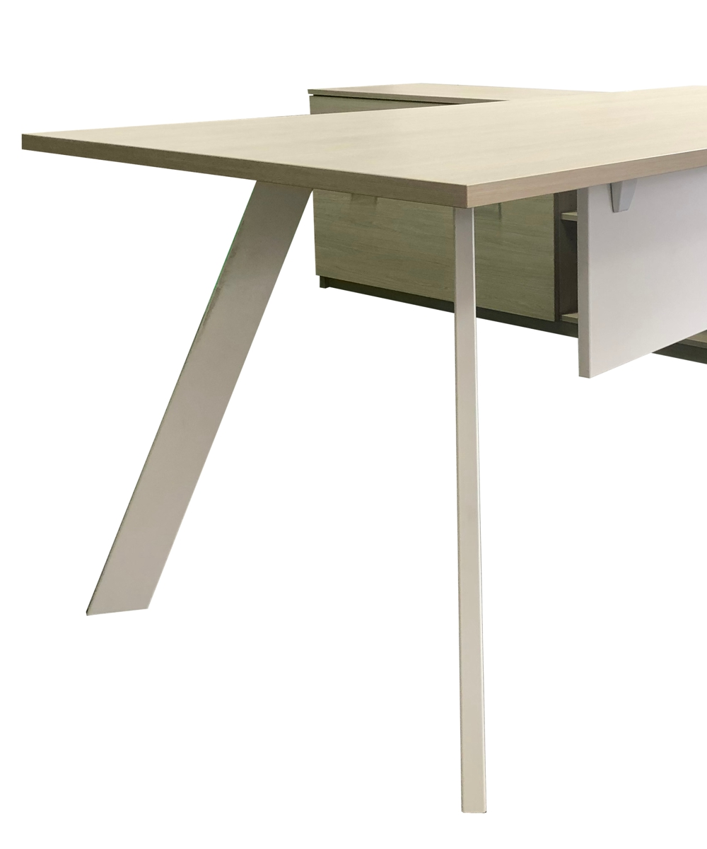 Axiom Executive Desk with Inspire Legs and Modesty (2)