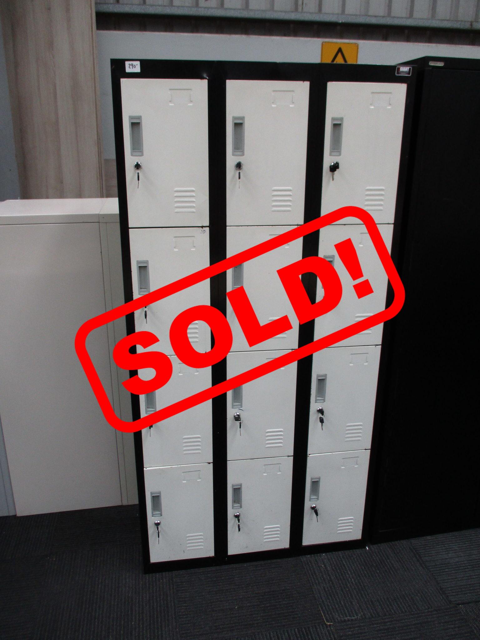 12 Door Locker $290