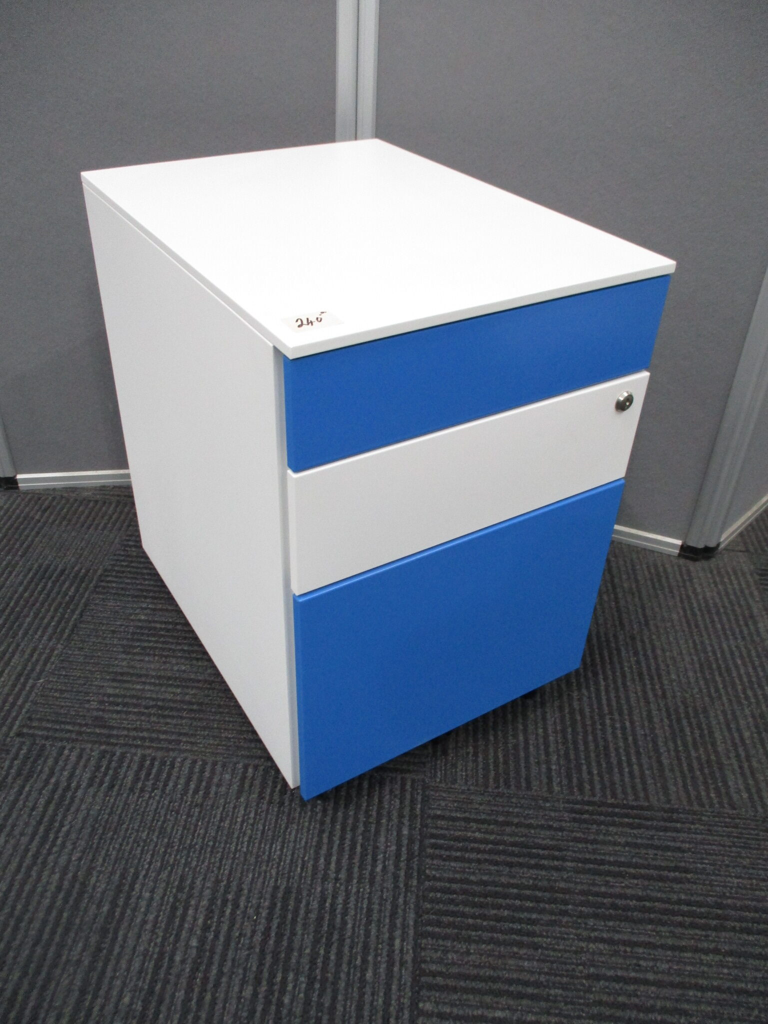 New Itsu Blue and White Steel 3 Drawer Mobile Pedestal $240